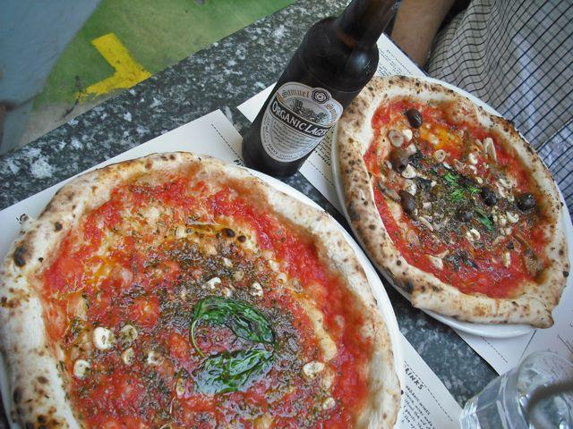 http://fatgayvegan.com/wp-content/uploads/2011/04/pizza-beer.jpg