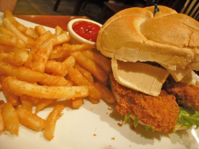 http://fatgayvegan.com/wp-content/uploads/2012/03/burger.jpg