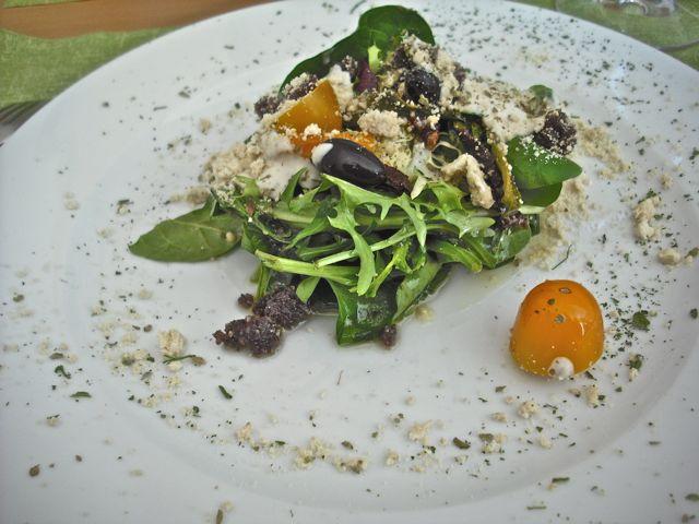 http://fatgayvegan.com/wp-content/uploads/2012/06/salad.jpg