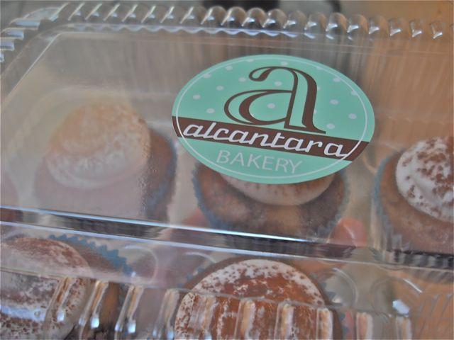 http://fatgayvegan.com/wp-content/uploads/2012/08/logo.jpg