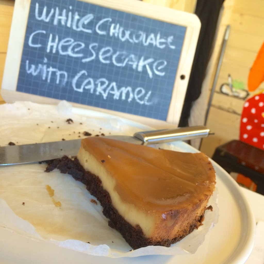 white chocolate cheesecake with caramel