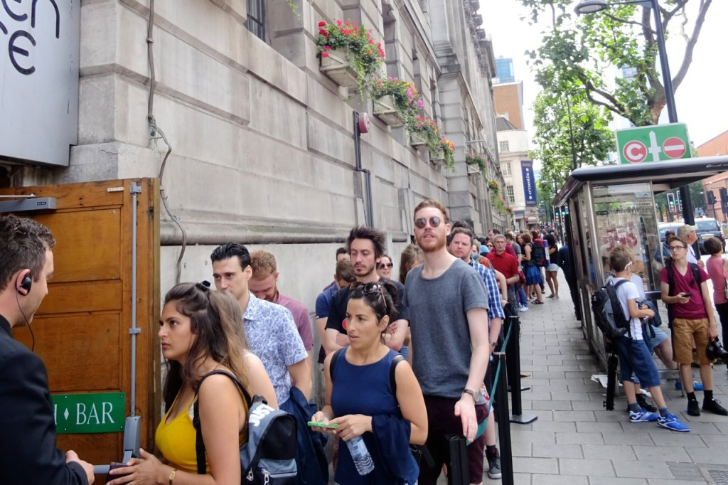 Line down Euston Road