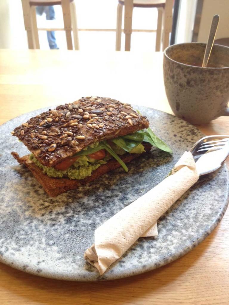 Raw42 Copenhagen - avocado sandwich
