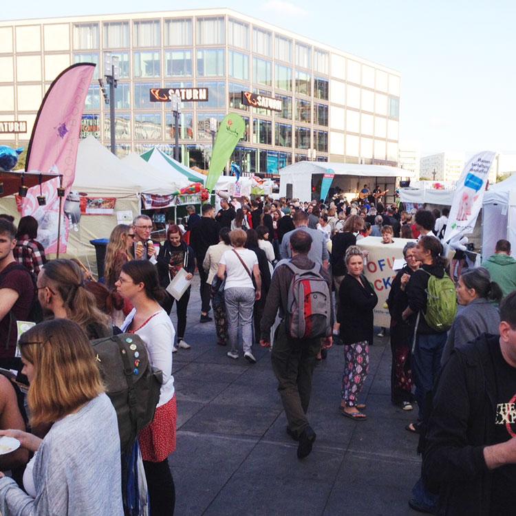 http://fatgayvegan.com/wp-content/uploads/2015/09/Berlin-Vegan-Summer-Festival.jpg