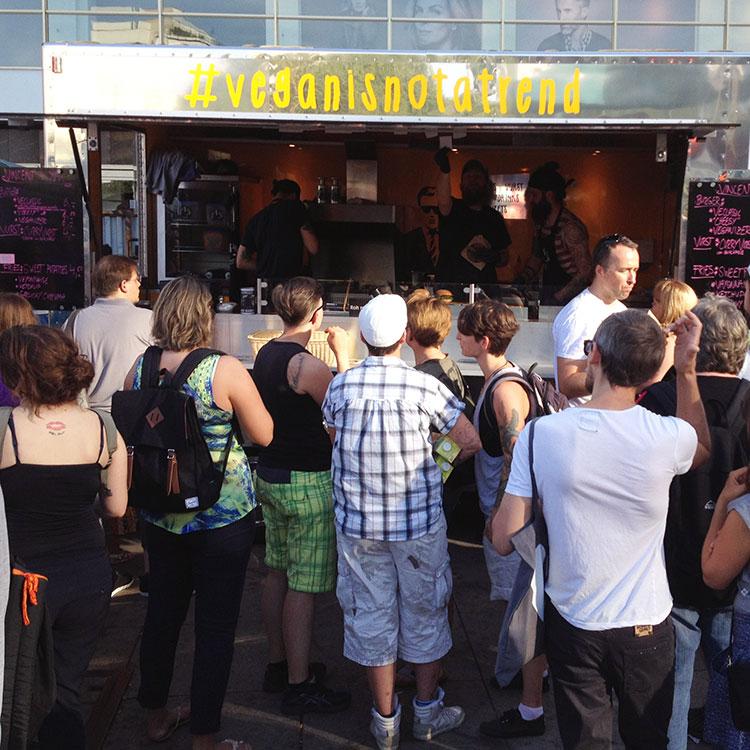 http://fatgayvegan.com/wp-content/uploads/2015/09/Vincent-Vegan-food-truck-at-Berlin-Vegan-Summerfest-2015.jpg