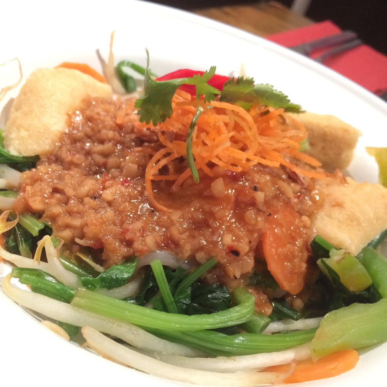 http://fatgayvegan.com/wp-content/uploads/2015/12/Ning-vegan-salad.jpg