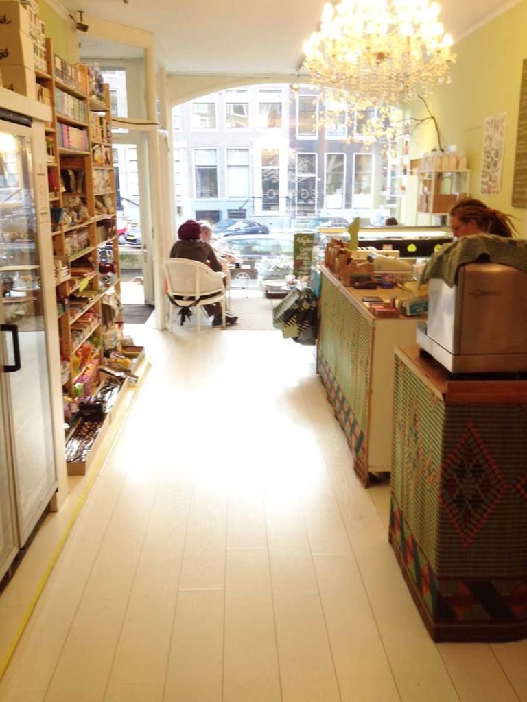 Vegabond-Amsterdam-interior-looking-outside